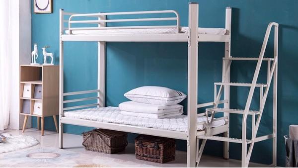 上下铺铁床睡觉的区别(1)