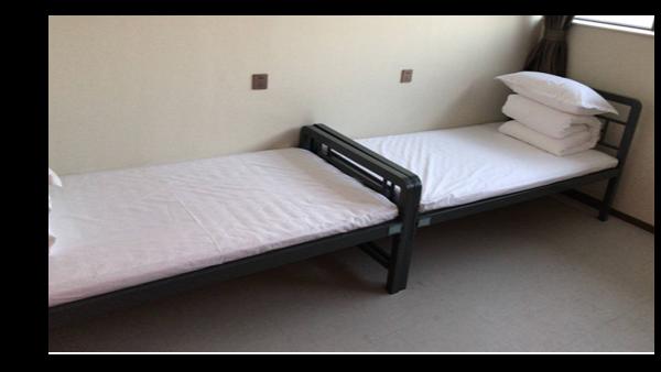 单位员工宿舍单层铁床如何选择