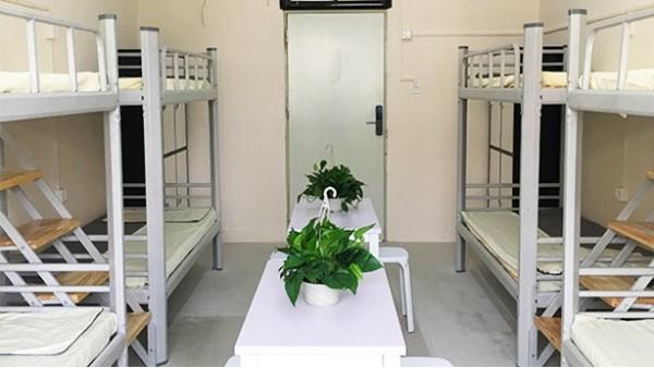 清新自然的苏州公寓铁床