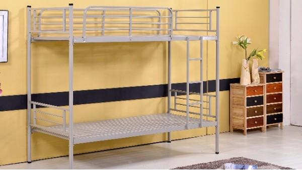 如果上下铺铁床不保养,即使是不锈钢的也会生锈